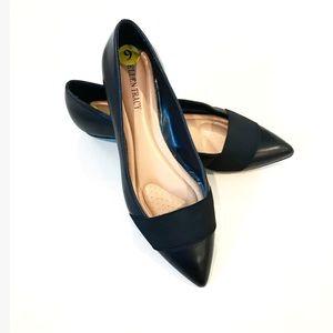 {Ellen Tracy} Pointed Toe Black Flats